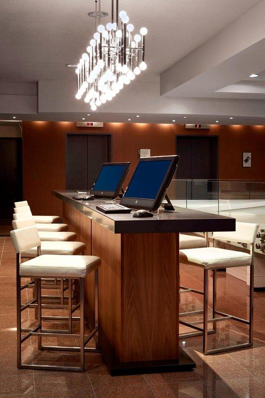 Delta Hotels by Marriott Quebec-Business Center<br/>Image from Leonardo