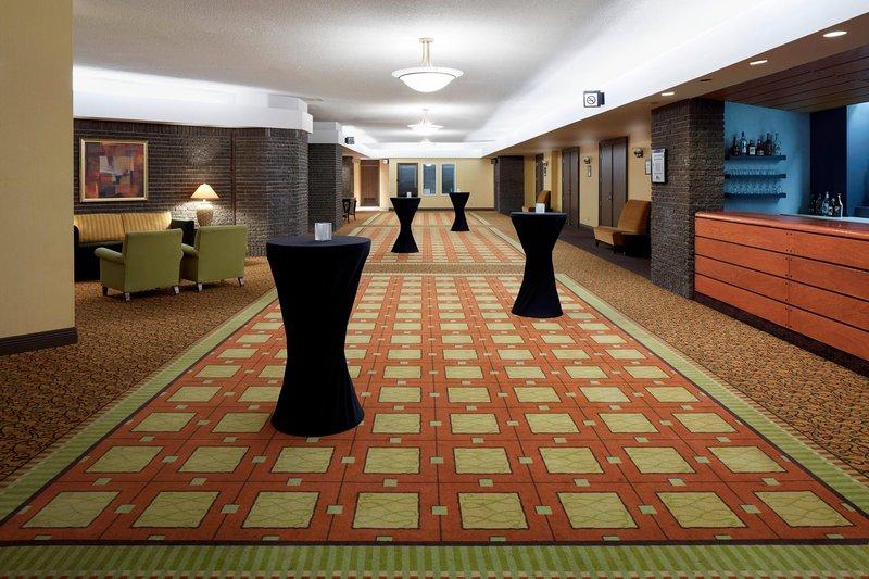 Delta Quebec-Le Foyer - Cocktail Reception<br/>Image from Leonardo