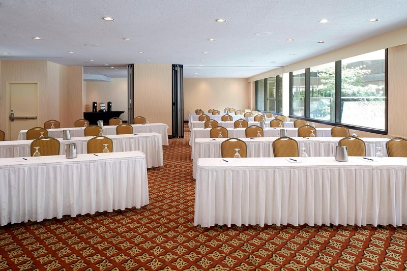 Delta Hotels by Marriott Quebec-Wolfe-Montcalm Meeting Room - Classroom Setup<br/>Image from Leonardo