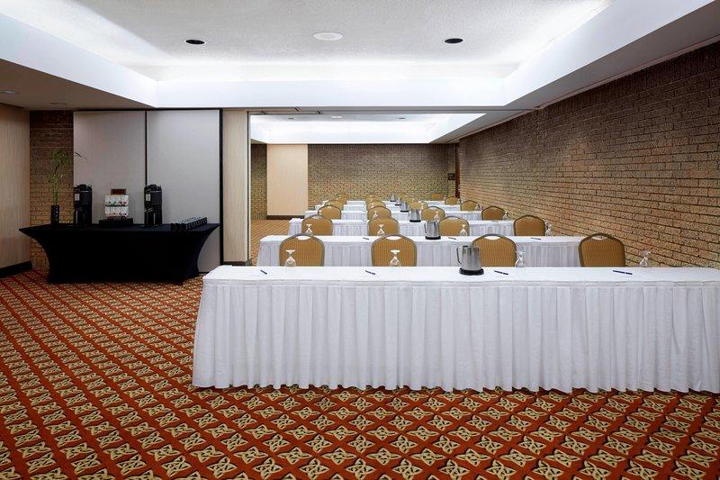 Delta Quebec-Cremazie - Garneau Meeting Rooms - Classroom Setup<br/>Image from Leonardo