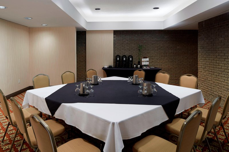 Delta Hotels by Marriott Quebec-D'Auteuil Meeting Room - Conference Setup<br/>Image from Leonardo