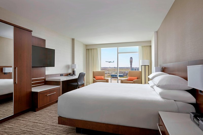Delta Hotel Calgary Airport In-Terminal-King View Guest Room<br/>Image from Leonardo