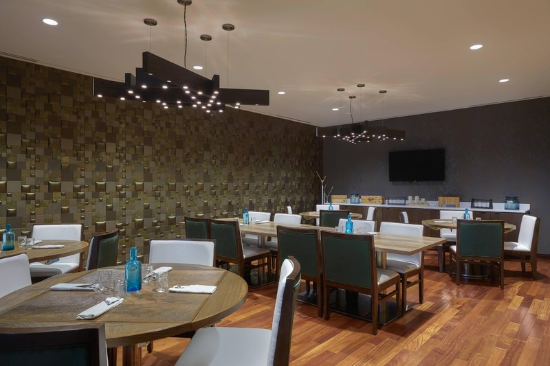 Delta Hotel Calgary Airport In-Terminal-Private Dining Room<br/>Image from Leonardo