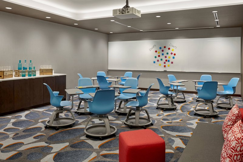 Delta Hotel Calgary Airport In-Terminal-Crocus Meeting Room<br/>Image from Leonardo
