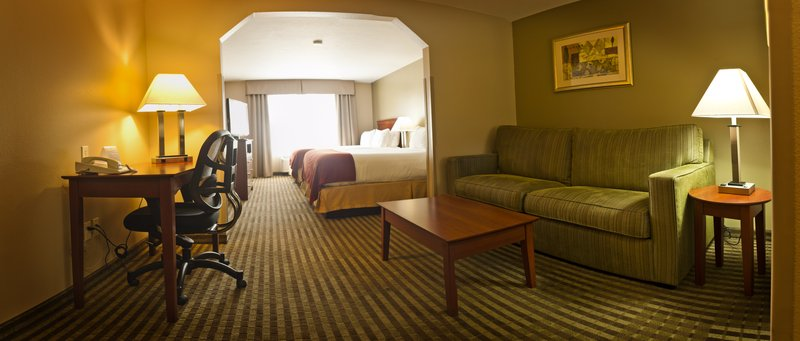 Holiday Inn Express Walla Walla-Two Queen Suite<br/>Image from Leonardo