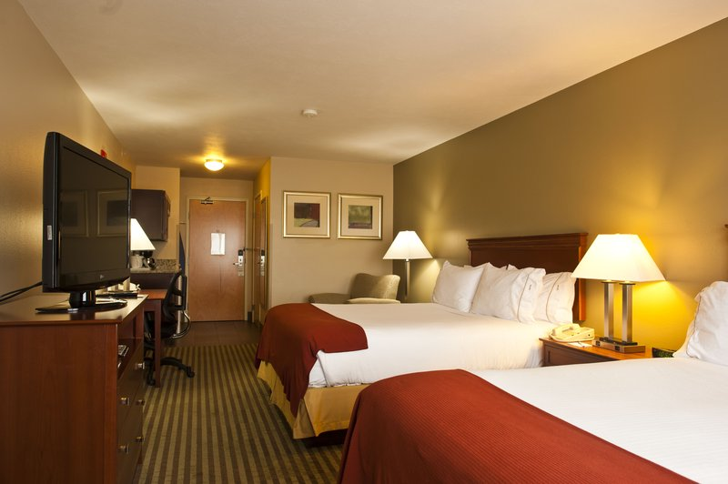 Holiday Inn Express Walla Walla-Two Queen Bed Guest Room<br/>Image from Leonardo