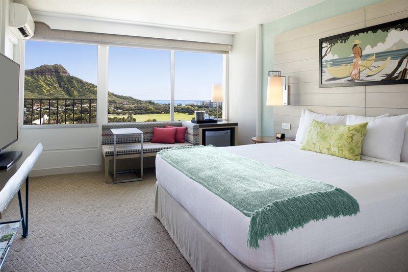 Queen Kapiolani Hotel - Ocean View Blacony King <br/>Image from Leonardo