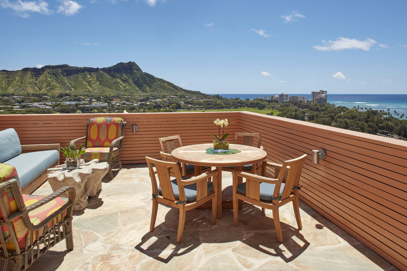 Queen Kapiolani Hotel - QK One Bedroom Suite Ocean View Balcony King <br/>Image from Leonardo