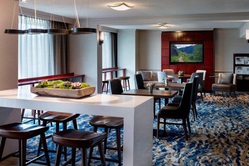 Boston Marriott Newton-Concierge Lounge<br/>Image from Leonardo