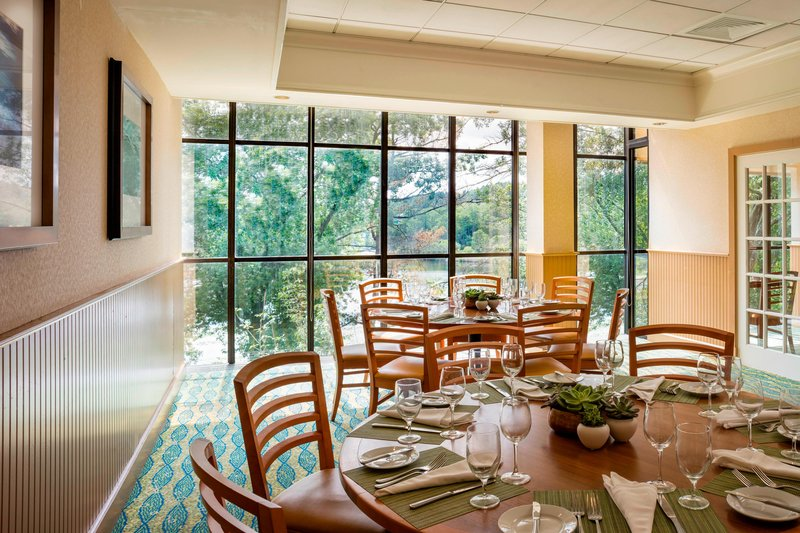 Boston Marriott Newton-Riverbend Bar & Grill<br/>Image from Leonardo