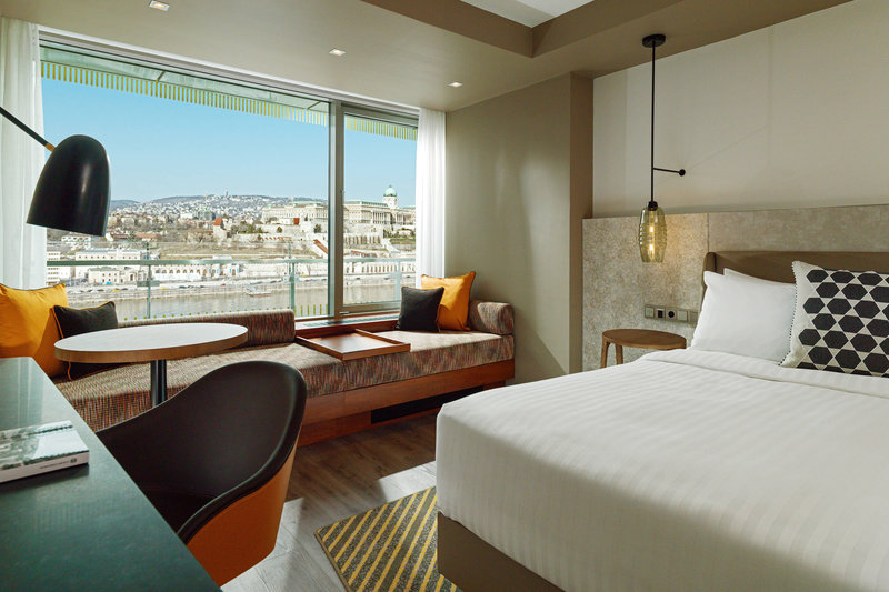 Budapest Marriott Hotel-King Executive Guest Room<br/>Image from Leonardo