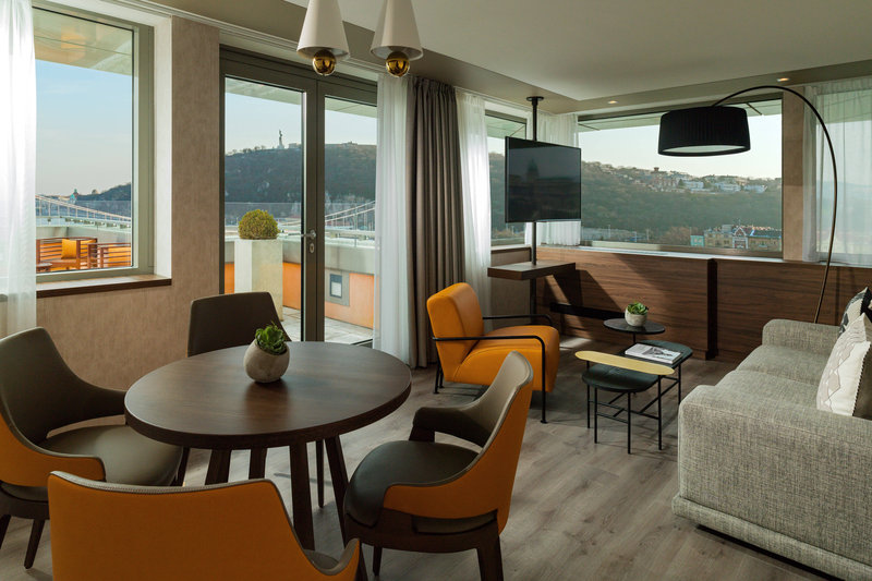 Budapest Marriott Hotel-Executive King Suite<br/>Image from Leonardo