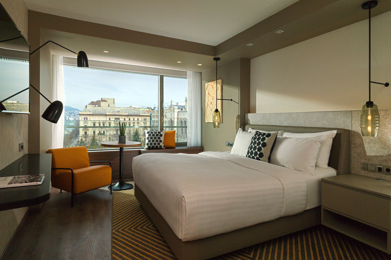 Budapest Marriott Hotel-Executive Suite - Bedroom<br/>Image from Leonardo