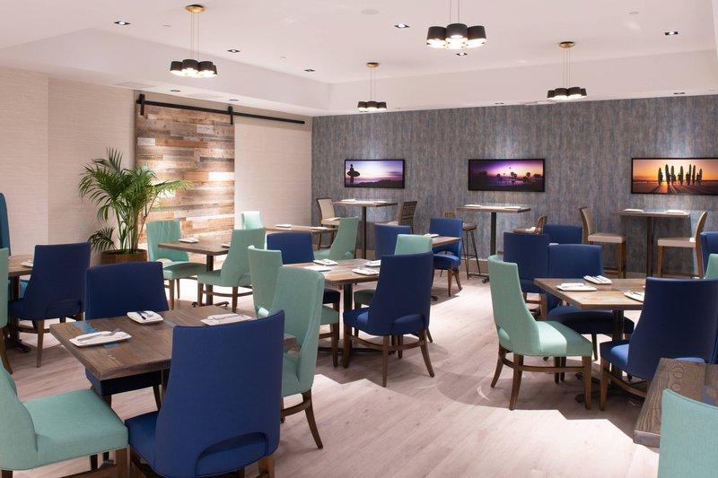 Renaissance Newport Beach Hotel-CURRENT Coastal Cuisine - Dining Area<br/>Image from Leonardo