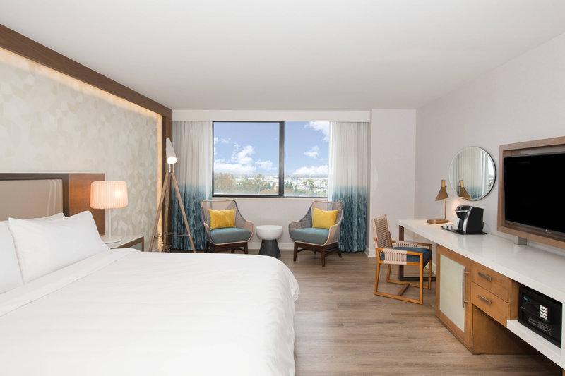 Renaissance Newport Beach Hotel-King Guest Room - City View<br/>Image from Leonardo