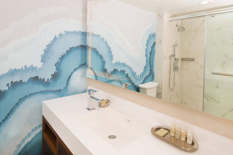 Renaissance Newport Beach Hotel-King Guest Room - Bathroom<br/>Image from Leonardo