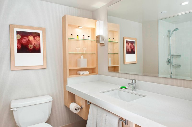 Delta Hotels by Marriott Victoria Ocean Point Resort-Guest Bathroom<br/>Image from Leonardo