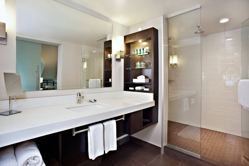 Delta Hotels by Marriott Victoria Ocean Point Resort-Loft Suite - Bathroom<br/>Image from Leonardo