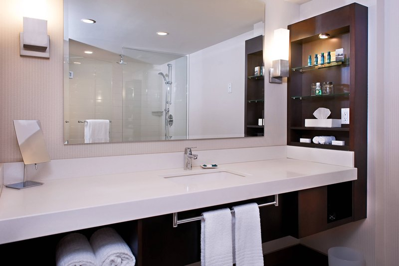 Delta Hotels by Marriott Victoria Ocean Point Resort-Ocean Suite - Bathroom<br/>Image from Leonardo