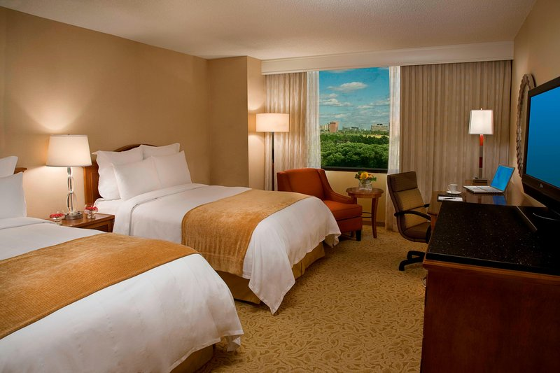 Marriott Toronto Airport Hotel-Double/Double Guest Room<br/>Image from Leonardo