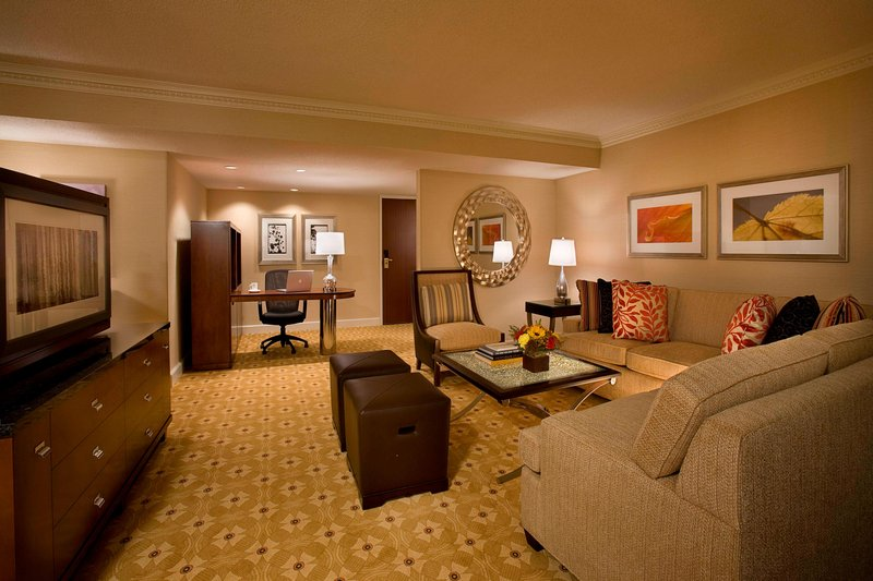 Marriott Toronto Airport Hotel-King Suite Sitting Area<br/>Image from Leonardo