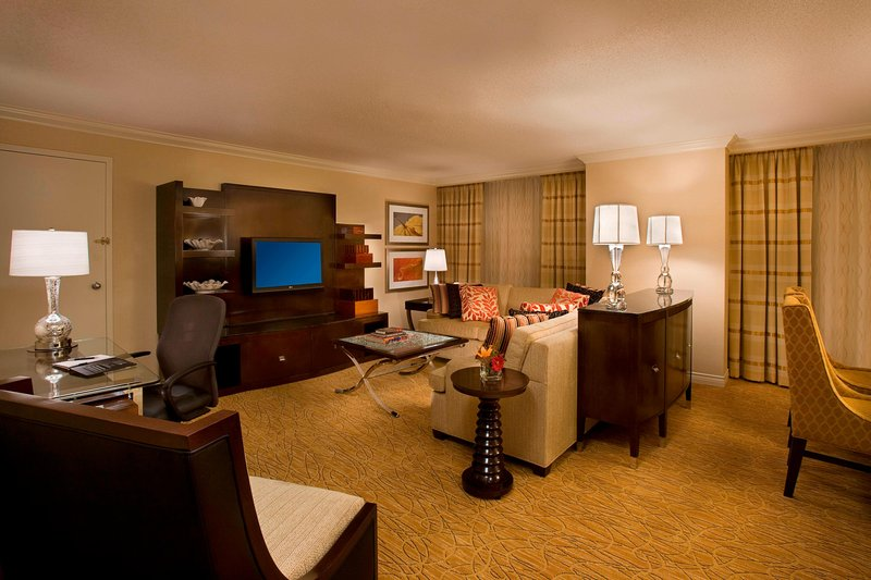 Marriott Toronto Airport Hotel-Presidential Suite<br/>Image from Leonardo