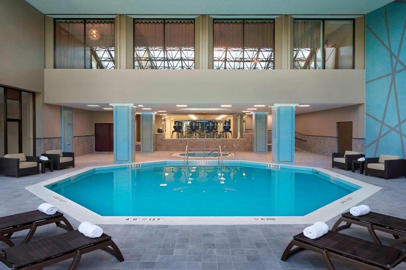 Marriott Toronto Airport Hotel-Indoor Pool<br/>Image from Leonardo