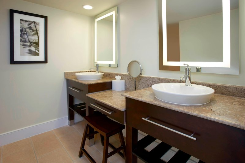 Aruba Marriott Resort - Guest - Bathroom <br/>Image from Leonardo