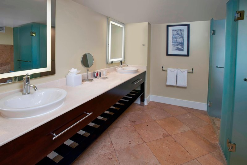 Aruba Marriott Resort - Junior Suite Bathroom <br/>Image from Leonardo
