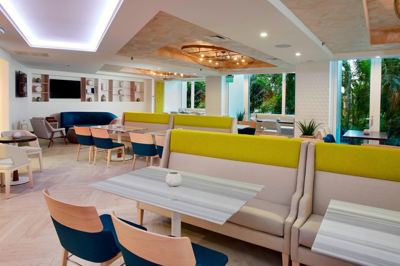 Aruba Marriott Resort - Tradewinds Club Lounge - Seating Area <br/>Image from Leonardo