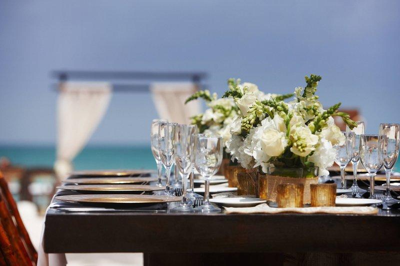Aruba Marriott Resort - Wedding Table Arrangement <br/>Image from Leonardo