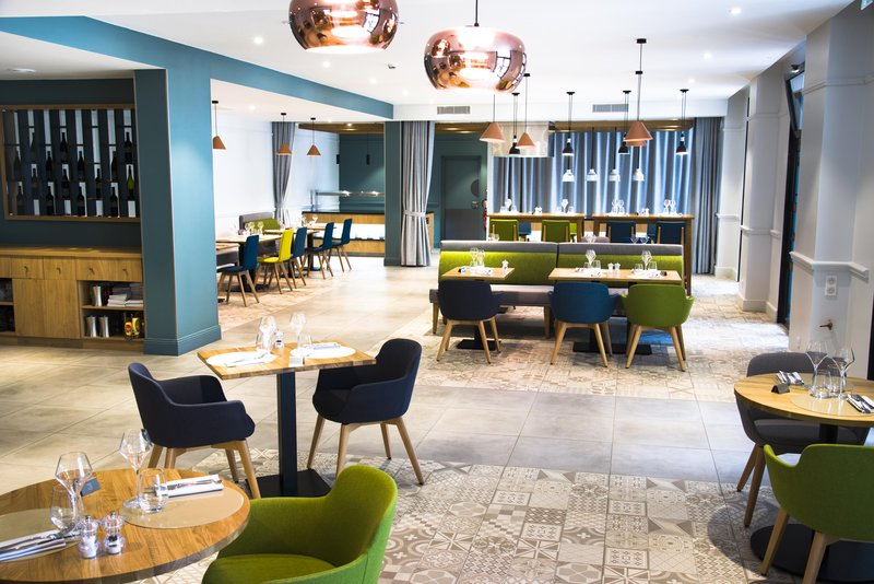 Holiday Inn Calais - Coquelles-Restaurant<br/>Image from Leonardo