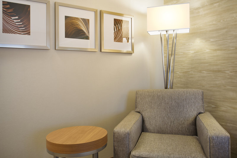 Holiday Inn Grand Rapids - Airport-Comfortable Seating Area<br/>Image from Leonardo