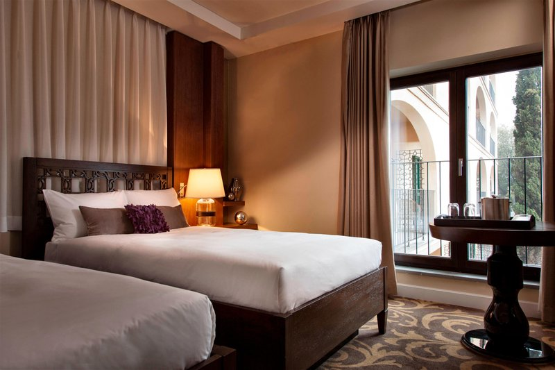 Renaissance Tuscany Il Ciocco Resort And Spa-Twin/Twin Executive Guest Room<br/>Image from Leonardo