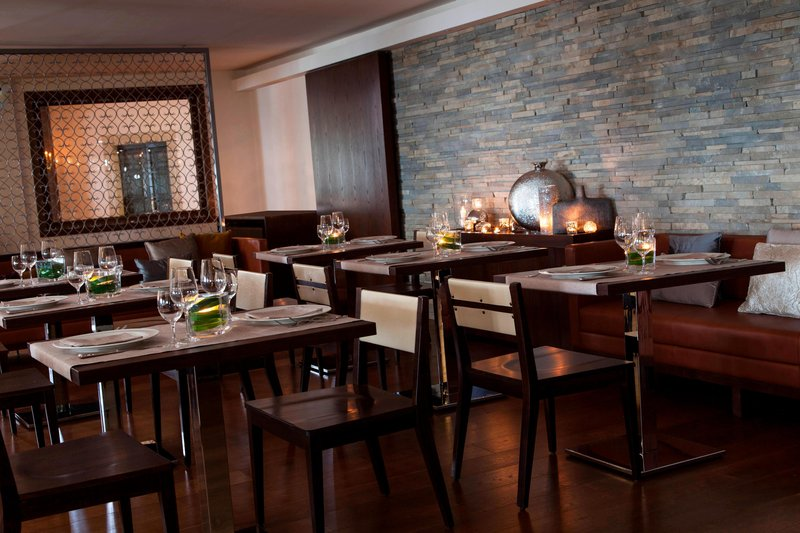 Renaissance Tuscany Il Ciocco Resort & Spa-La Veranda Restaurant<br/>Image from Leonardo