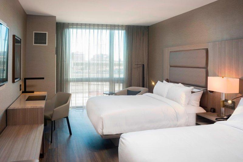 AC Hotel Boston Downtown-Queen/Queen Guest Room<br/>Image from Leonardo