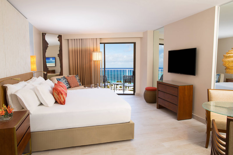 The Coral At Atlantis - King Guest Room <br/>Image from Leonardo
