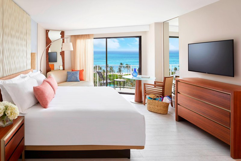 The Coral At Atlantis - Deluxe King Guest Room <br/>Image from Leonardo