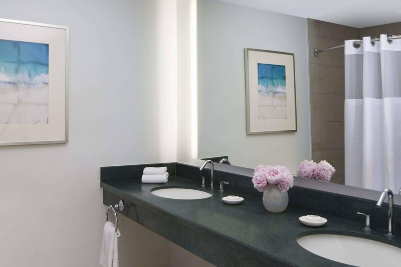 The Coral At Atlantis - Suite Bathroom <br/>Image from Leonardo