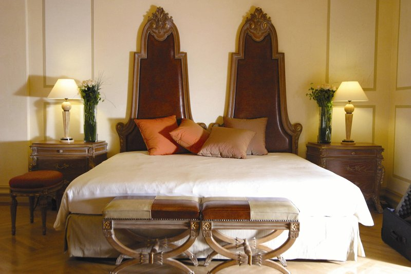 Carlo IV, Dedica Anthology Autograph Collection - Presidential Suite - Sleeping Area <br/>Image from Leonardo