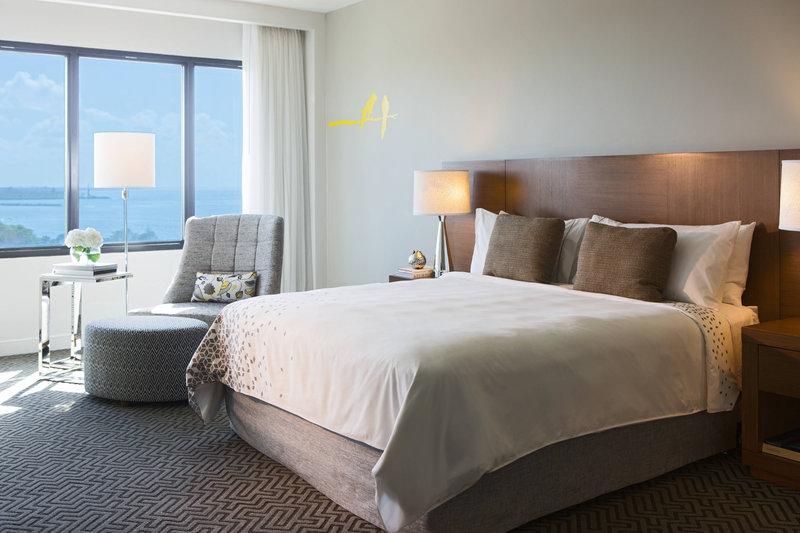 Renaissance St Domingo Jaragua Hotel-Deluxe King Guest Room<br/>Image from Leonardo