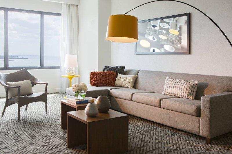 Renaissance St Domingo Jaragua Hotel-Executive Suite - Living Area<br/>Image from Leonardo