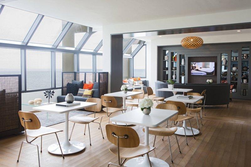 Renaissance St Domingo Jaragua Hotel-Executive Lounge<br/>Image from Leonardo