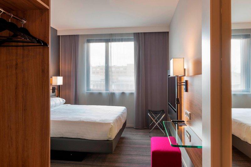 Moxy Milan Linate Airport-Moxy Queen Sleeper - Bedroom<br/>Image from Leonardo