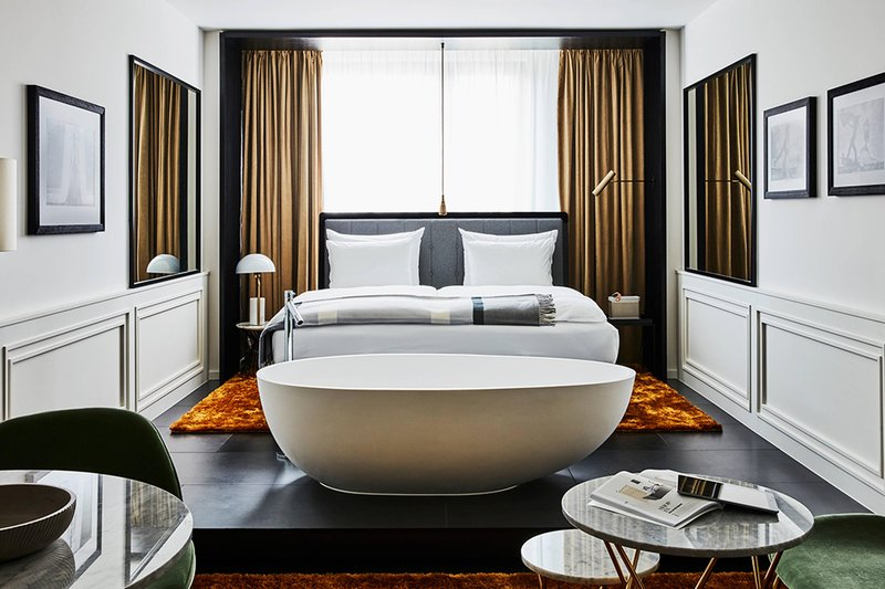 Autograph Collection Roomers Munich-Deluxe Premium Guest Room<br/>Image from Leonardo