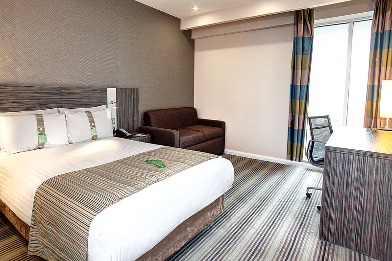 Holiday Inn Southend-Standard Double Room with Sofa Bed<br/>Image from Leonardo