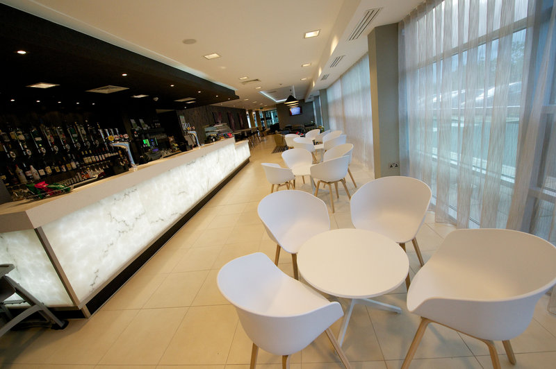 Holiday Inn Southend-Lounge Bar seating area<br/>Image from Leonardo