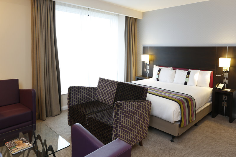 Holiday Inn Southend-Superior Guest Room <br/>Image from Leonardo