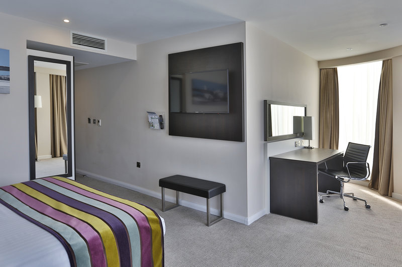 Holiday Inn Southend-Our Executive rooms offer more space for you to work and relax.<br/>Image from Leonardo