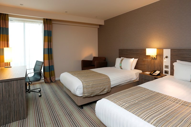 Holiday Inn Southend-Standard 2 Single Beds<br/>Image from Leonardo